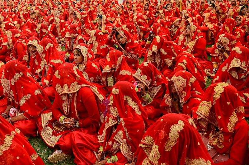 Indian Muslim brides-to-be gather as they participate in a mass wedding ceremony in Ahmedabad on March 3, 2019. (Phot: Sam Panthaky/AFP/Getty Images)