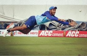 'Shame on you BCCI': Twitter unhappy after Sanju Samson snubbed from India's T20I squad against NZ