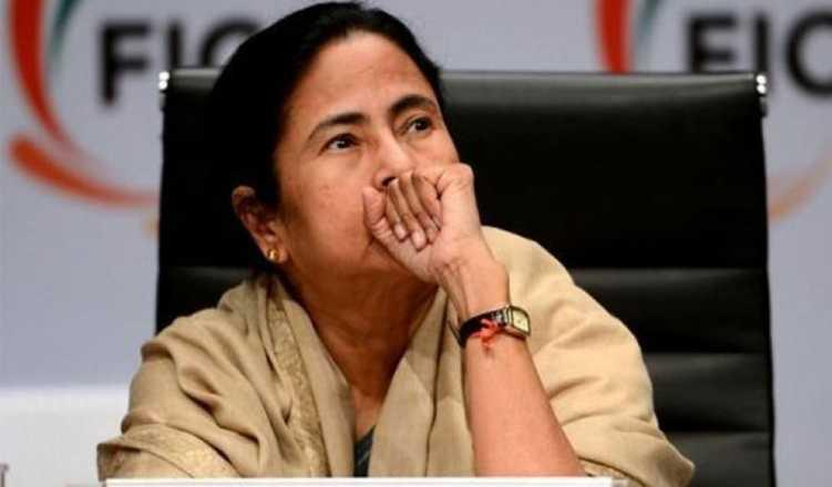 Cong taking help from RSS : Mamata
