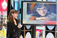 <p>What we have here: A throwback picture of Jennifer Garner looking at a throwback pic of Jennifer Garner.</p>