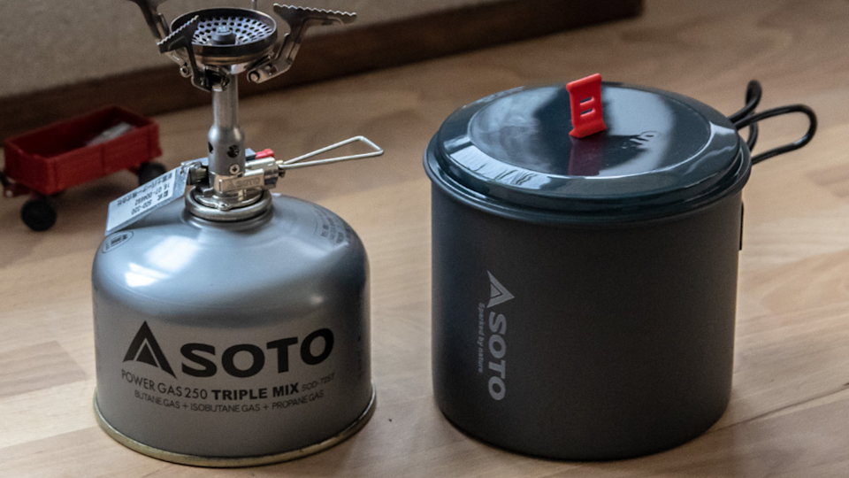 The best gifts for travelers: Soto Amicus Cookset Combo