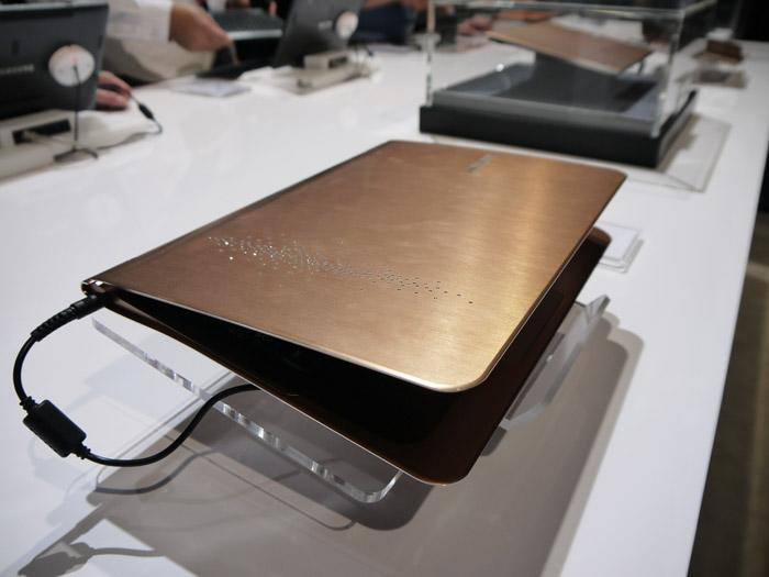 "With a thickness of just 0.64 inches, Samsung calls the Series 9 Limited Edition ""a new standard of prestige."" Rhinestones included. (Scott Ard/Yahoo! News)"