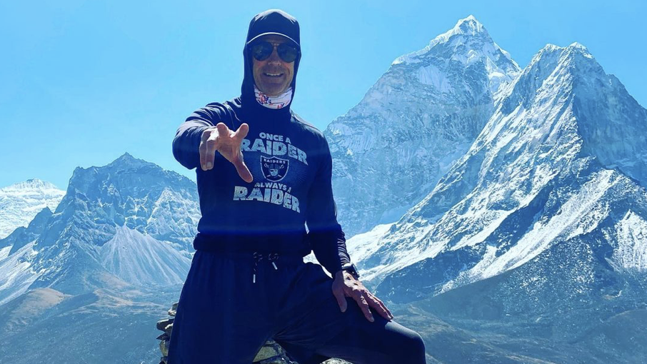 Former NFL wide receiver Mark Pattison is preparing to make the climb up Mount Everest on May 14, 2021, which marks the final mountain needed to complete the