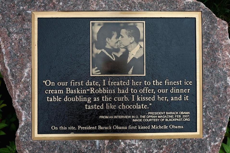 <p>When their love was so epic, a plaque was erected at the location of their first kiss! [Photo: Getty/ Scott Olson]</p>