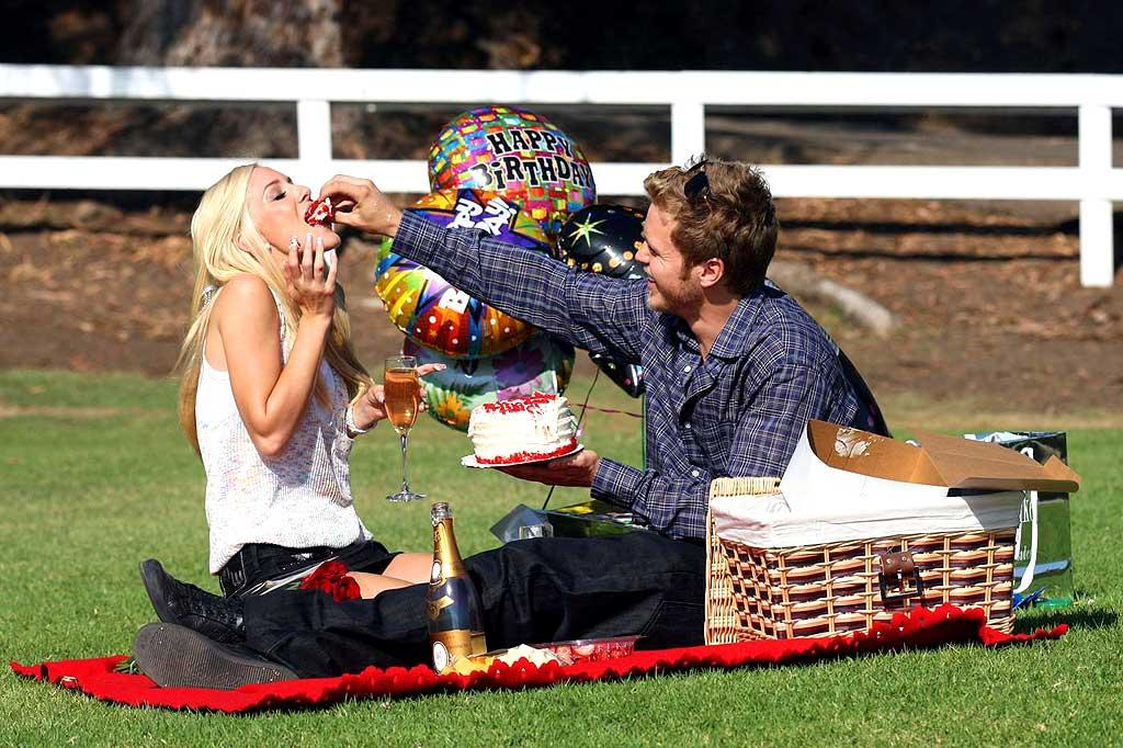 "Meanwhile the show's other stars -- Spencer Pratt and Heidi Montag -- had a picnic to celebrate Heidi's 22nd birthday on Monday. Funny how the paparazzi managed to be at the ""unstaged"" event! Pedro Andrade/<a href=""http://www.pacificcoastnews.com/"" target=""new"">PacificCoastNews.com</a> - September 15, 2008"
