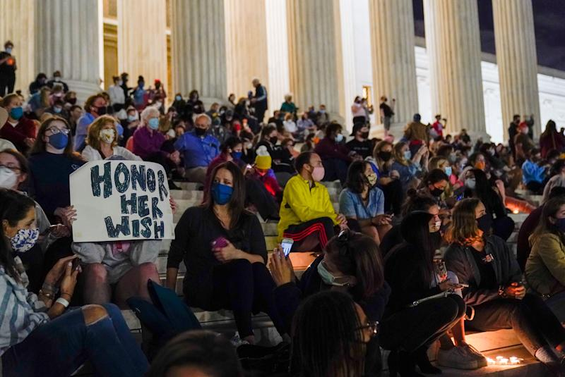 People gather at the Supreme Court on Friday night to honor Supreme Court Justice Ruth Bader Ginsburg, who died Friday night. (Photo: Alex Brandon/ASSOCIATED PRESS)