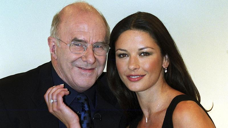 Australian writer and broadcaster Clive James (L) has died aged 80 in the UK after years of illness