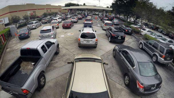PHOTO: Drivers wait in line for gasoline in Altamonte Springs, Fla., ahead of the anticipated arrival of Hurricane Irma, Sept. 6, 2017. (Joe Burbank/Orlando Sentinel via Getty Images)