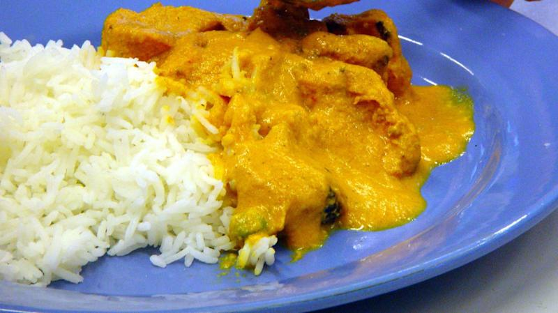 Woman dials 999 over chicken korma curry