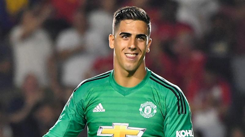 Manchester United's Pereira joins Hearts on loan