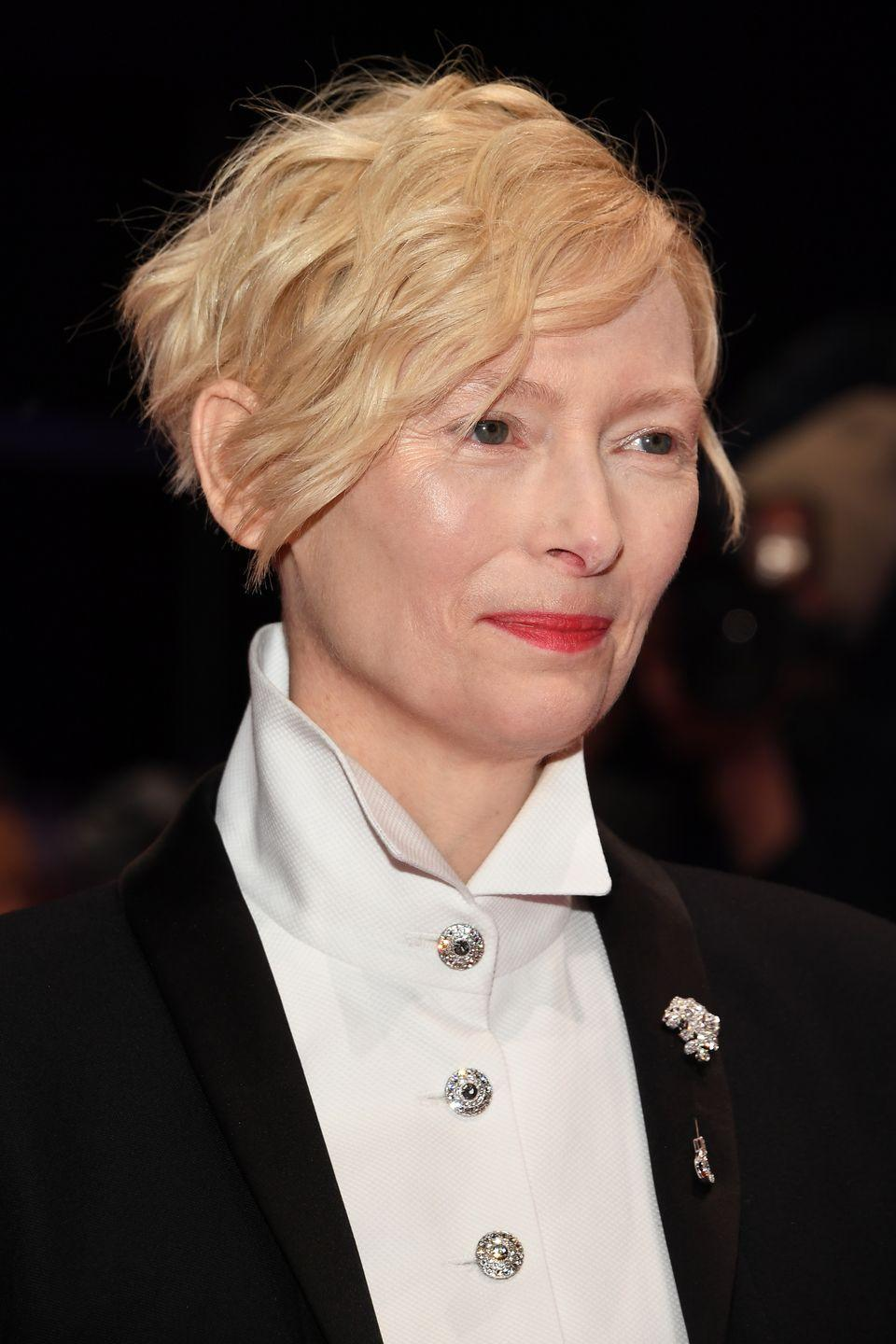 <p>Tilda Swinton's long-on-top look can transform her pixie from a sleek undercut to a short faux-bob in a matter of minutes. </p>