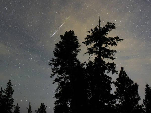 The 2018 Orionid meteor shower will peak this weekend. Skies will be clear, although the moon will be bright.
