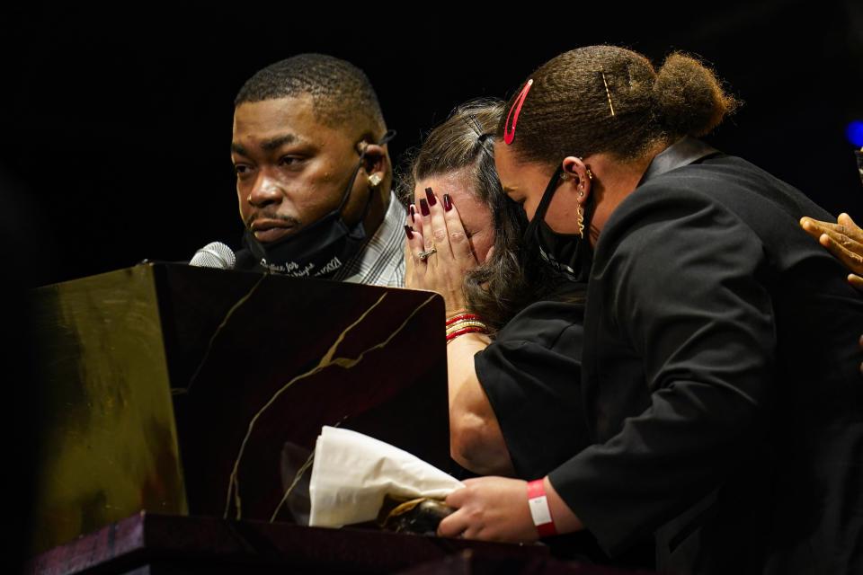 Katie and Aubrey Wright, parents of Daunte Wright, cry as the speak during funeral services of Daunte Wright at Shiloh Temple International Ministries in Minneapolis, Thursday, April 22, 2021. Wright, 20, was fatally shot by a Brooklyn Center, Minn., police officer during a traffic stop.(AP Photo/John Minchillo, Pool)