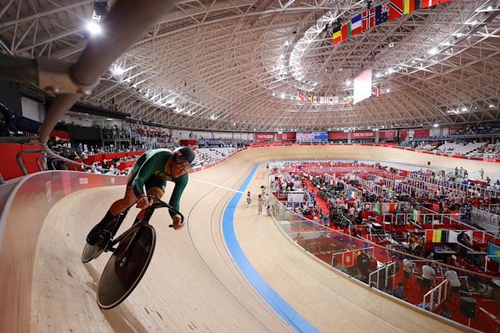<p>Jean Spies of Team South Africa competes during the Men´s sprint qualifying of the track cycling on day twelve of the Tokyo 2020 Olympic Games at Izu Velodrome on August 04, 2021 in Izu, Japan. (Photo by Tim de Waele/Getty Images)</p>