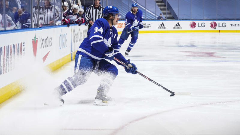 Auston Matthews took umbrage with a reporter revealing his positive test for COVID-19 in June. (Mark Blinch/NHLI via Getty Images)