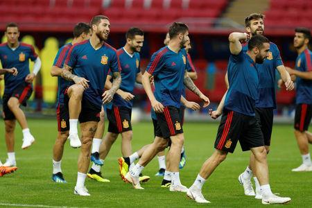 Soccer Football - World Cup - Spain Training - Kazan Arena, Kazan, Russia - June 19, 2018 Spain's Sergio Ramos during training REUTERS/John Sibley