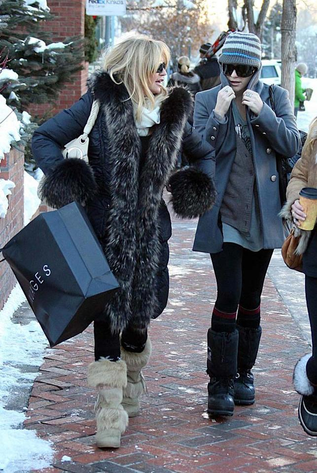 """Goldie Hawn and her daughter Kate Hudson always make time to get their shop on while vacationing in Aspen, Colorado. Kevin Perkins/Pedro Andrade/<a href=""""http://www.pacificcoastnews.com/"""" target=""""new"""">PacificCoastNews.com</a> - December 28, 2009"""