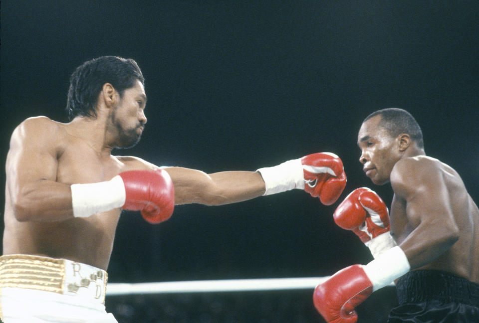 PARADISE, NV - DECEMBER 7: Roberto Duran fights Sugar Ray Leonard in the WBC Super Middleweight Title Fight on December 7, 1989 at the The Mirage in Paradise, Nevada. Lenard won the fight in a unanimous decision. (Photo by Focus on Sport/Getty Images)