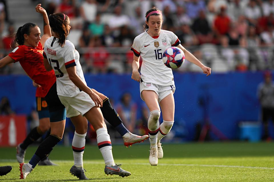 REIMS, FRANCE - JUNE 24: Rose Lavelle of the USA gets fouled in the penalty area during the 2019 FIFA Women's World Cup France Round Of 16 match between Spain and USA at Stade Auguste Delaune on June 24, 2019 in Reims, France. (Photo by Daniela Porcelli/Getty Images)