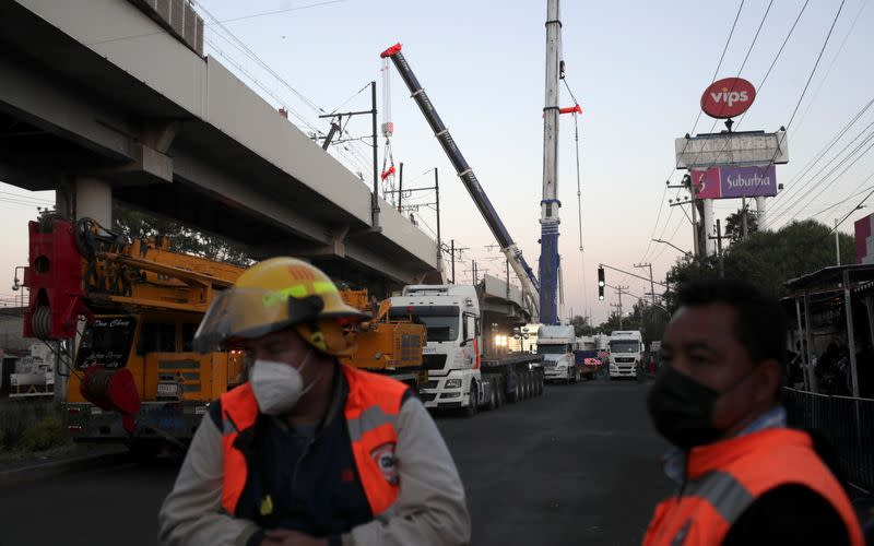 Mexico City rail overpass collapses