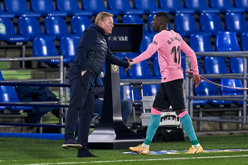 GETAFE, SPAIN - OCTOBER 17: Ousmane Dembele of FC Barcelona salutes Ronald Koeman after being substituted during the La Liga Santader match between Getafe CF and FC Barcelona at Coliseum Alfonso Perez on October 17, 2020 in Getafe, Spain. (Photo by Mateo Villalba/Quality Sport Images/Getty Images)