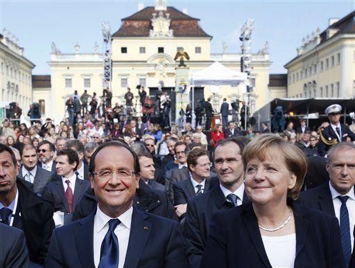 Hollande e Merkel: Francia e Germania motore dell'integrazione europea
