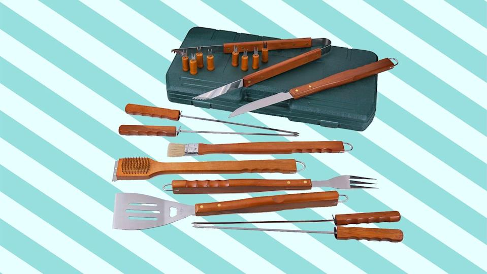 This set makes a great gift for grill lovers too, says David.