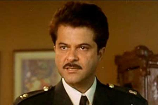 <b>7. Anil Kapoor/Pukar</b><br><br>How can we disagree if the ultimate fashionista Sonam Kapoor herself thinks that it is he who looks the best in uniform? We too think Anil Kapoor sports his best look in 'Pukar'