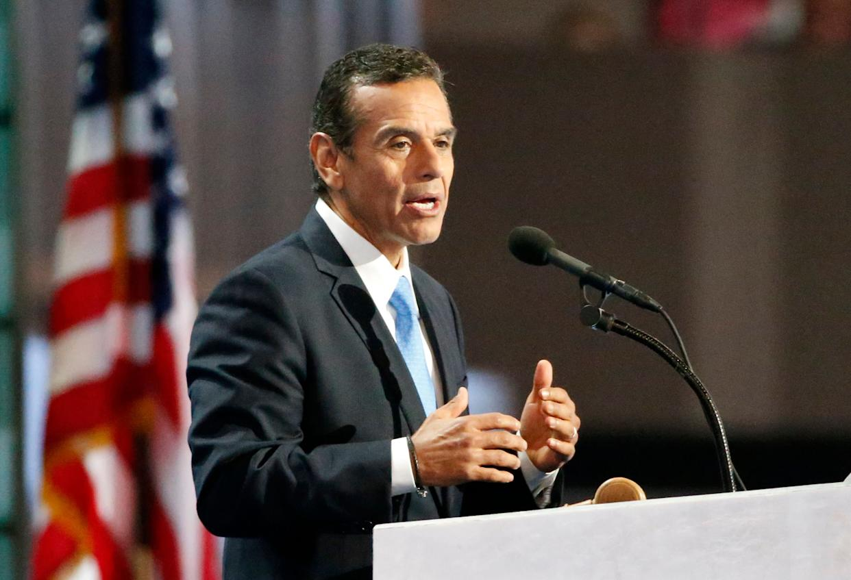 Former Los Angeles Mayor Antonio Villaraigosa (D) is running against California Lt. Gov. Gavin Newsom as a slightly more moderate Democrat. (Photo: Lucy Nicholson / Reuters)