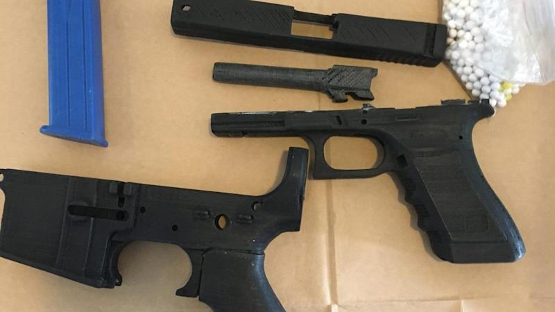 Sicen Sun is facing possible jail time for making replica guns with a 3D printer