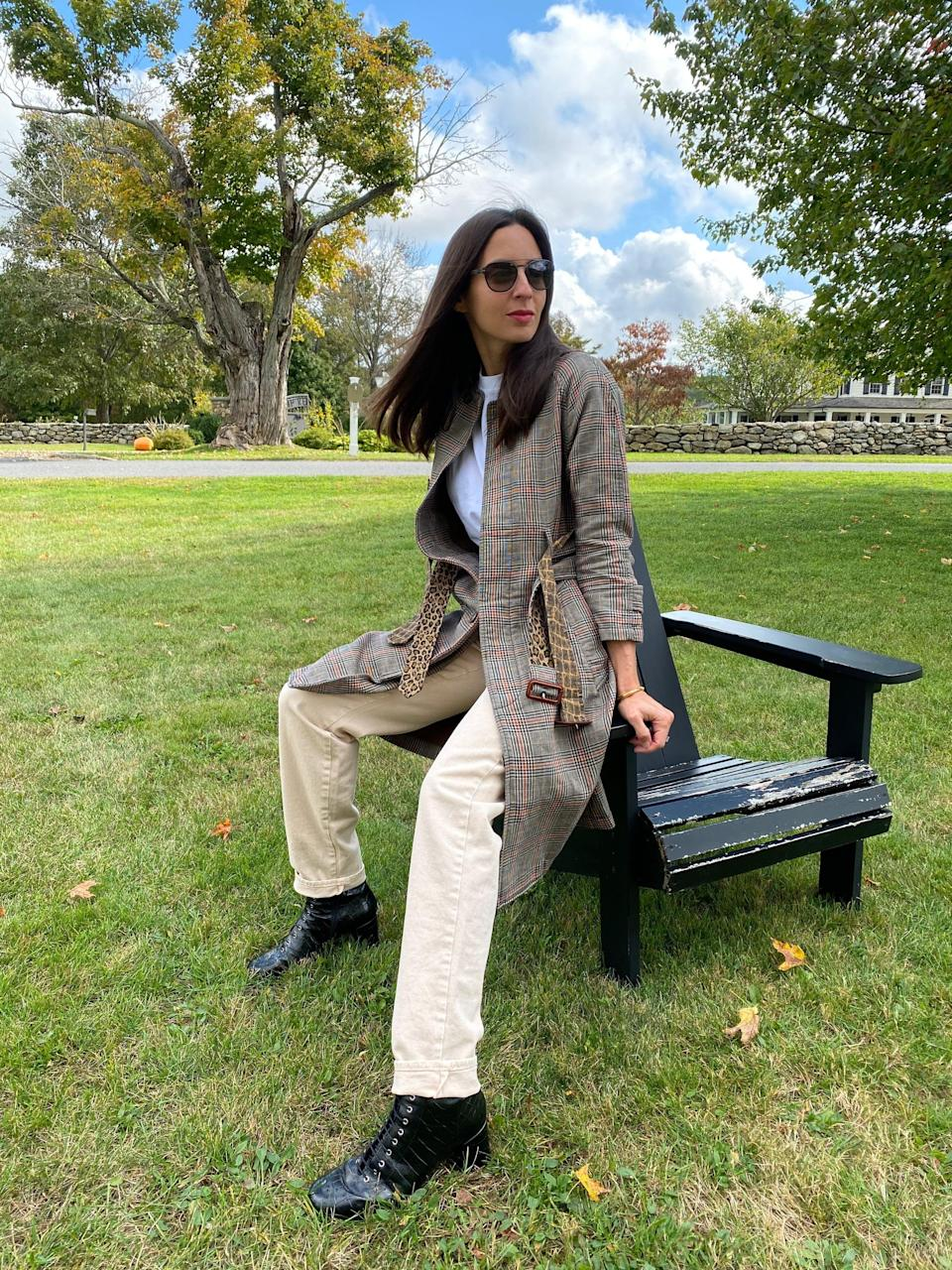<p>This trench makes a simple t-shirt and ivory denim look polished.</p>