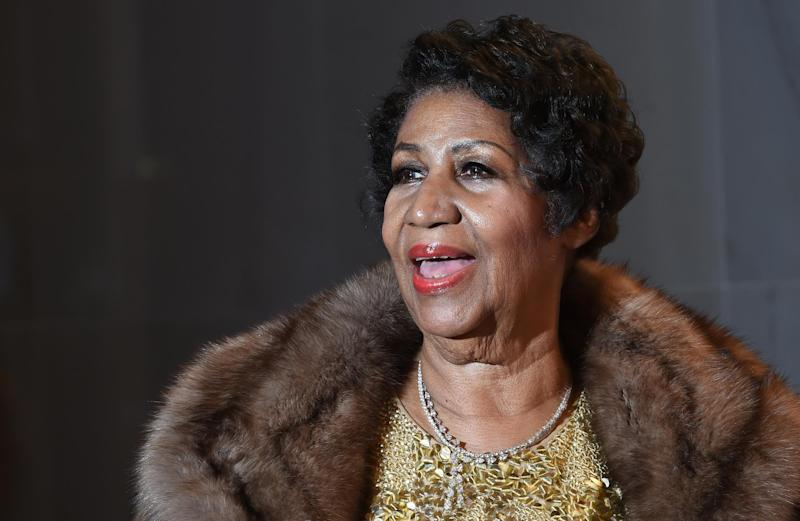 Aretha Franklin poses on the red carpet before the 38th Annual Kennedy Center Honors December 6, 2015 in Washington, DC: Molly Riley/Getty