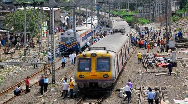 Mumbai rail tracks damage, Mumbai motorman stops train, railway tracks gas leak, Mumbai railway tracks gas leak, Mumbai news, City news, Indian Express