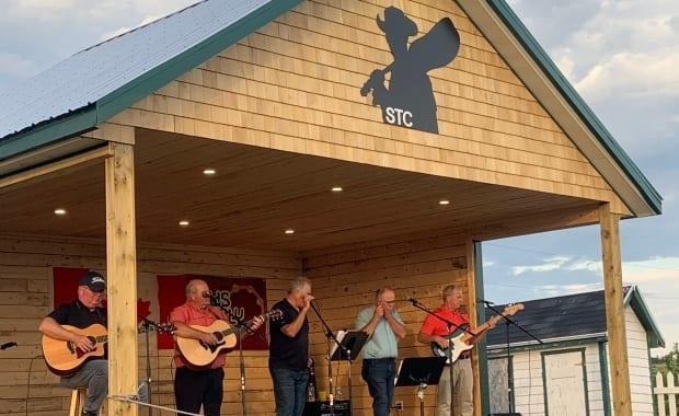 Musicians take the stage at the Stompin' Tom Centre in 2020. The centre opens this year on June 18, 2021. (Submitted by Anne Arsenault - image credit)