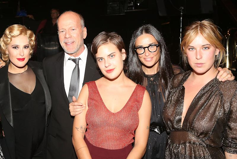 """NEW YORK, NY - SEPTEMBER 21: (EXCLUSIVE COVERAGE) (L-R) Rumer Willis, father Bruce Willis, sister Tallulah Belle Willis, mother Demi Moore and sister Scout LaRue Willis pose backstage as Rumer makes her broadway debut as """"Roxie Hart"""" in Broadway's """"Chicago"""" on Broadway at The Ambassador Theater on September 21, 2015 in New York City. (Photo by Bruce Glikas/FilmMagic)"""