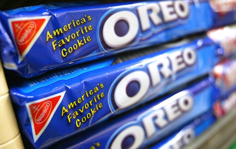 Americans Drop Kale and Quinoa to Lock Down With Chips and Oreos