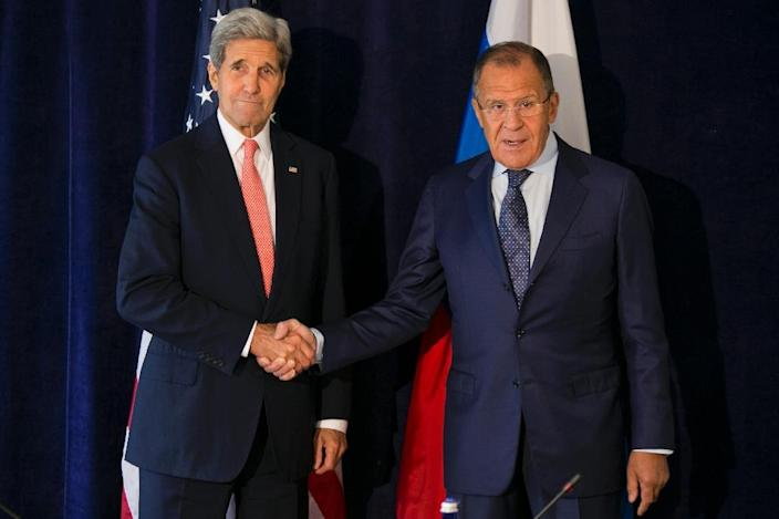 US Secretary of State John Kerry meets with Russia Foreign Minister Sergei Lavrov on September 27, 2015 (AFP Photo/Dominick Reuter)