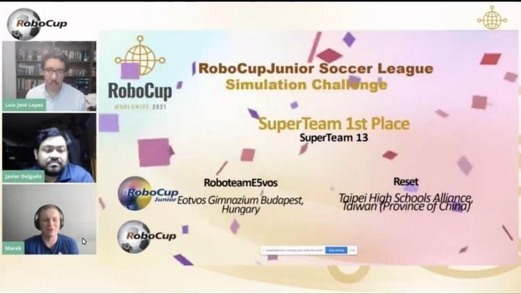 Team Reset from Taiwan and Team RoboteamE5vos from Hungary wins SuperTeam First Place on Monday (Photo courtesy of Dorothy Chou)