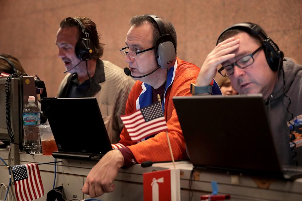 Traders monitor prices in the S&P options pit shortly after the open on the Cboe Global Markets trading floor on October 9, 2019 in Chicago, Illinois. (Photo: Scott Olson/Getty Images)