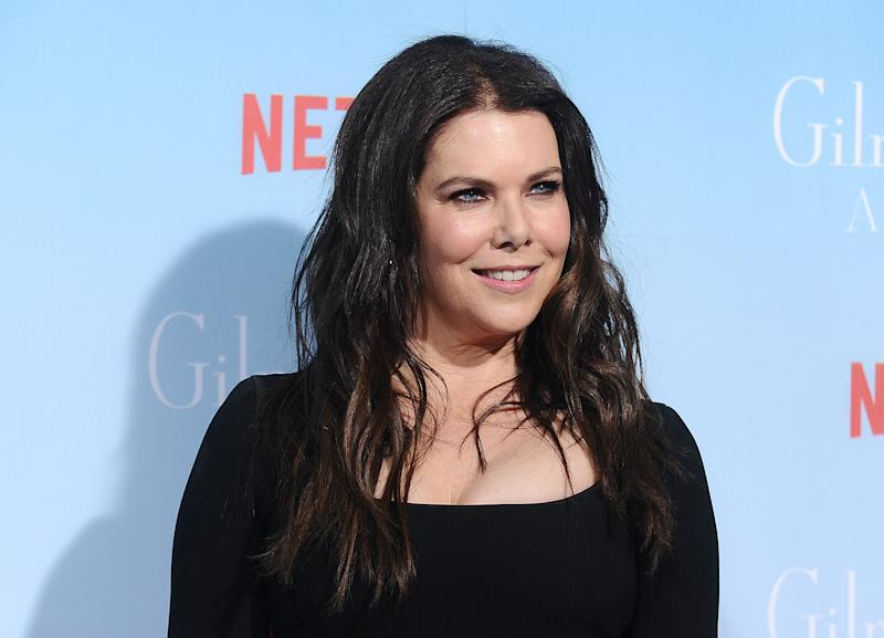 uh oh lauren graham isn t so sure there should be more gilmore girls. Black Bedroom Furniture Sets. Home Design Ideas