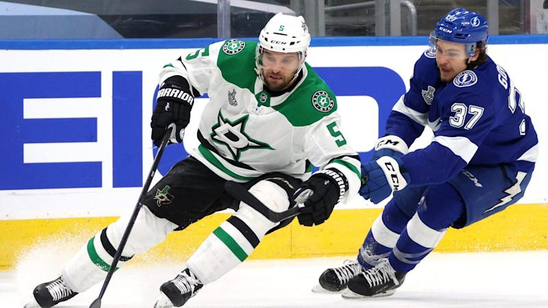Stars re-sign Andrej Sekera to $3 million, 2-year deal