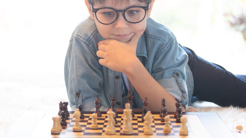 Gifts for Kids 2019: Square Off Chess