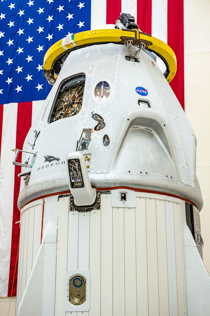 spacex crew dragon spaceship with trunk space capsule demo 2 demo2 nasa astronaut mission
