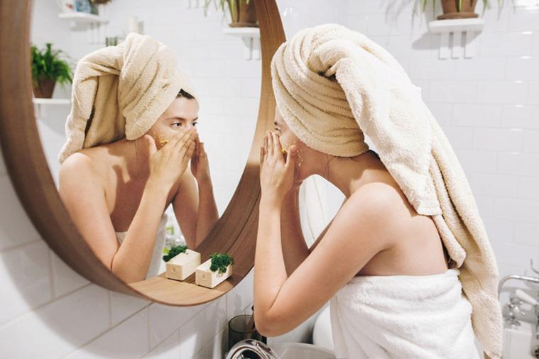 party season skincare tips, skincare tips, how to get good skin before party, christmas and new years party makeup, christmas and new year party skincare