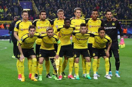 Football Soccer - Borussia Dortmund v AS Monaco - UEFA Champions League Quarter Final First Leg - Signal Iduna Park, Dortmund, Germany - 12/4/17 Borussia Dortmund team group before the game Reuters / Kai Pfaffenbach Livepic
