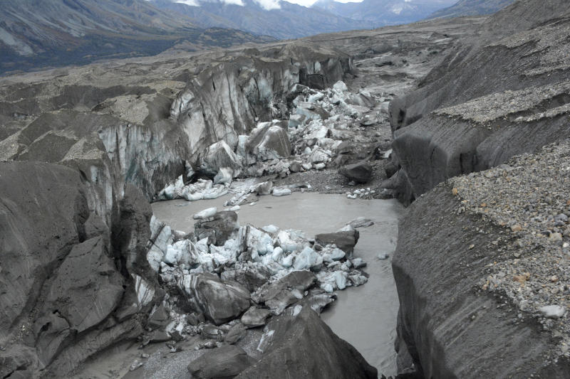Canada glacier melt reroutes itself in rare case of 'river piracy'