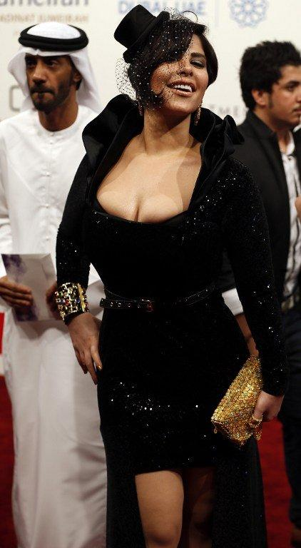 Kuwaiti singer Shams attended the closing ceremony.