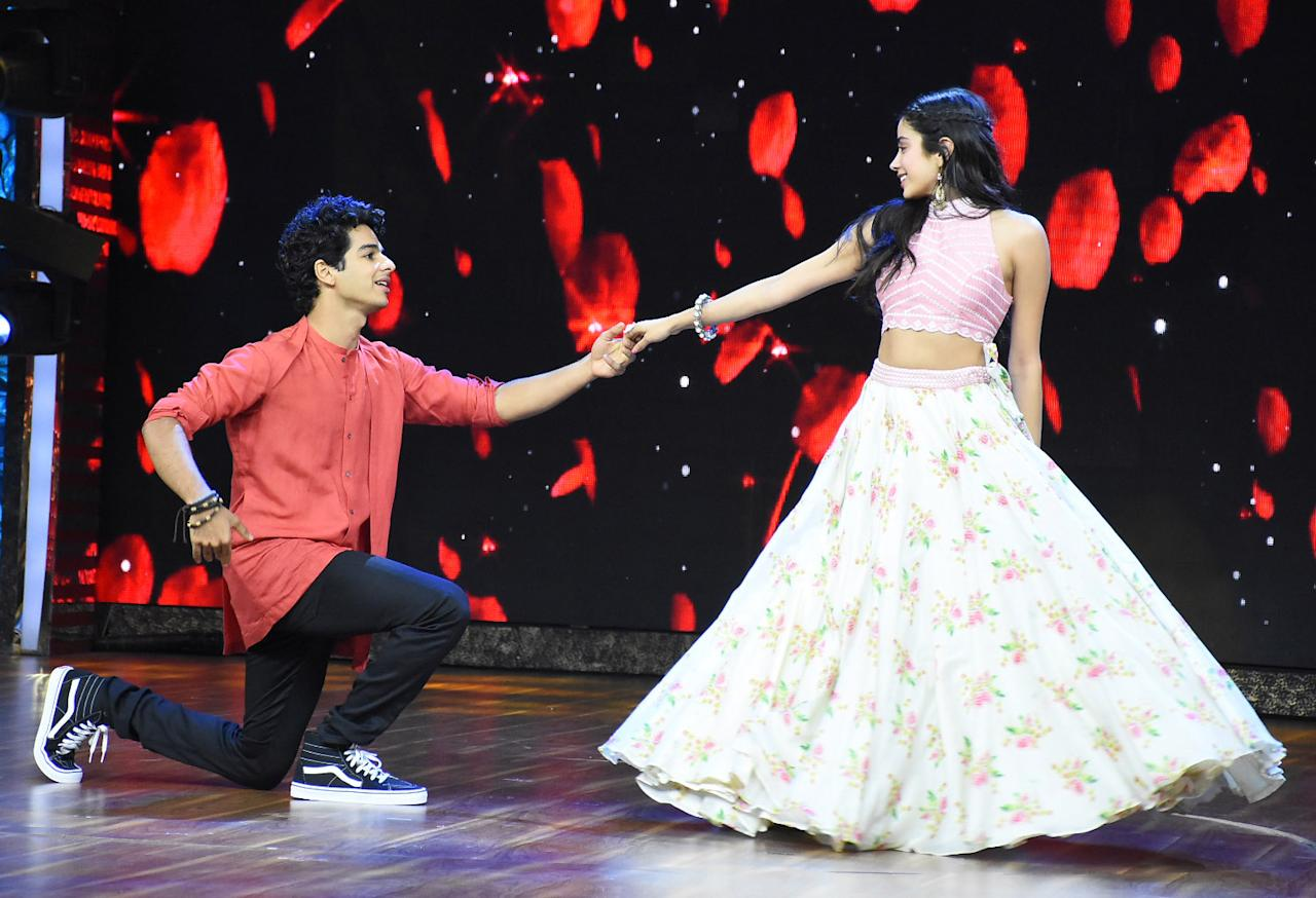 <p>Janhvi and Ishaan on the sets of India's Best Dramebaaz </p>