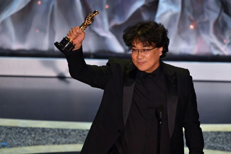 "The Oscars show received negative reviews -- although even harsh critics were won over by ""Parasite"" director Bong Joon-ho's four Oscar wins"