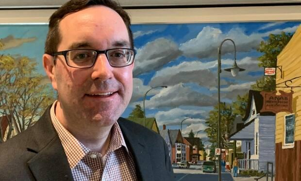 Stittsville Coun. Glen Gower says the City should consider partnering with local schools and community organizations to recruit French-speaking recreational staff.